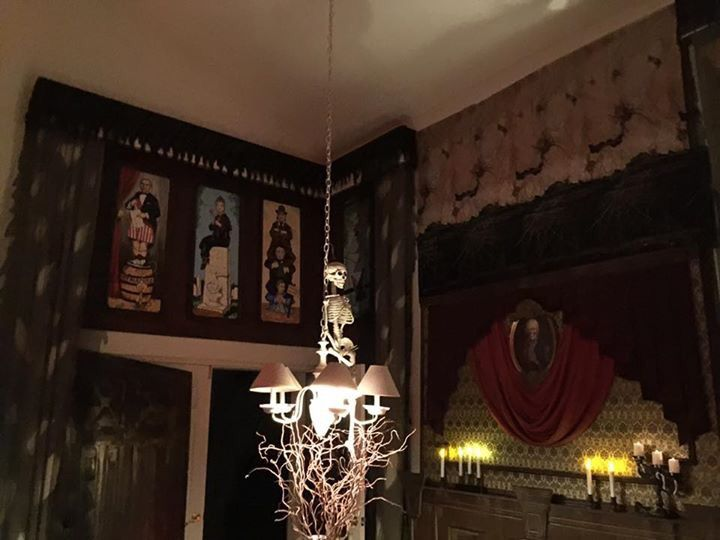 320 best images about halloween haunted mansion on for Haunted dining room ideas