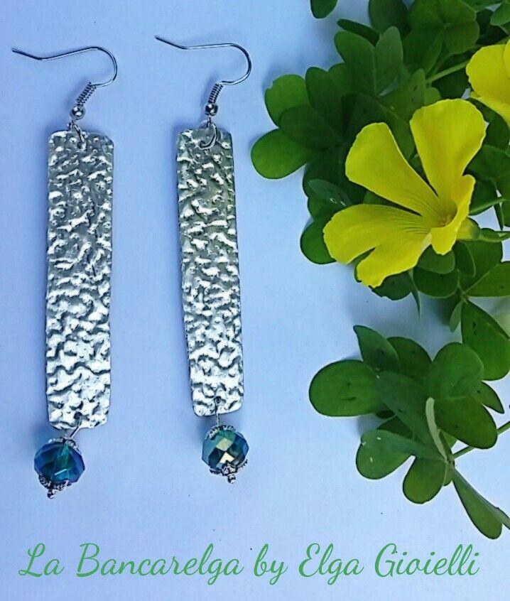 """Orecchini, con cristalli azzurri, in alluminio Visita la pagina Facebook """"La Bancarelga by Elga Gioielli"""" Remember to like on my Facebook page """"La Bancarelga by Elga Gioielli"""" https://www.facebook.com/LaBancarelga/ #gioielli #jewels #fattoamanoinitalia #fashion #handmade #madeinitaly #artigianato #madewithlove #madewithlove #fashion #pezziunici #pezziunicirealizzatiamano #earrings #orecchini #cristalli #crystal #cristal #azzurro #red #bleu #cielo #sky #ciel #bluesky #alluminio #aluminium"""