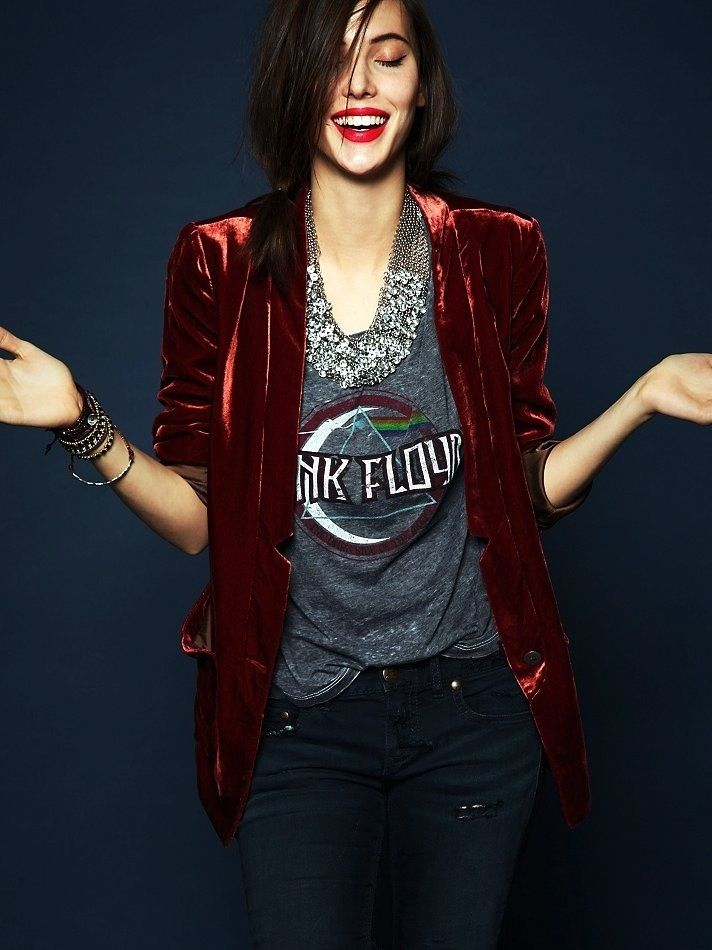 13 Ways To Style A Vintage Tee (via Bloglovin.com ) velvet red