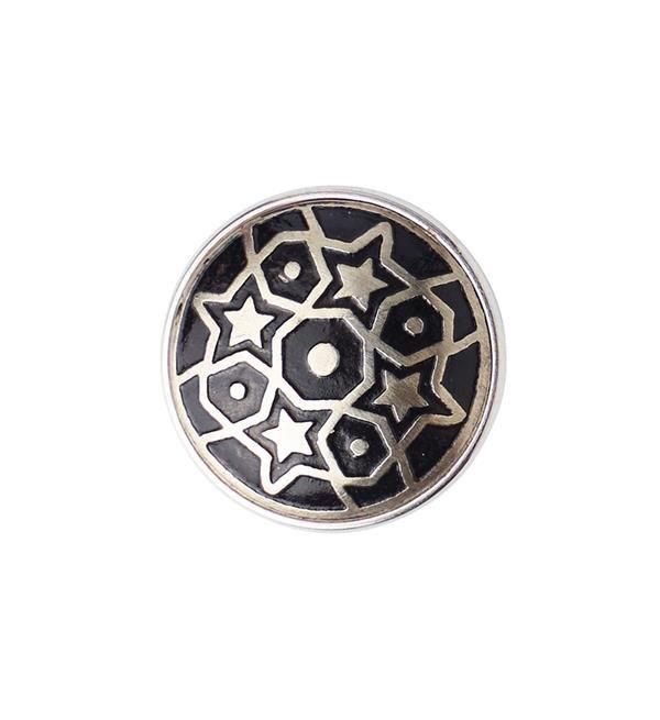 Noosa Amsterdam chunk Pentagram - limited edition. Het pentagram is een van de oudste symbolen op aarde, afkomstig van de oude Grieken. Het staat voor de waarde van innerlijke harmonie, een heldere geest, een sterke lichaamsbouw en in contact staan met je gevoelens. Materiaal: wit metaal