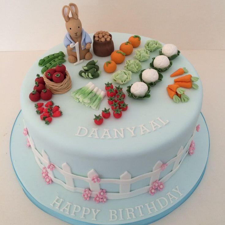http://jojoscakes.com/what-i-do/kids-cakes/peter-rabbit-cake