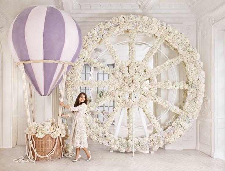 Свадьба с стиле Волшебный парк, красивый проект с декорациями Диснеевского парка. Местом проведения был выбран Концертный зал Барвиха, который позволил создать масштабные, потрясающие декорации свадьбы.