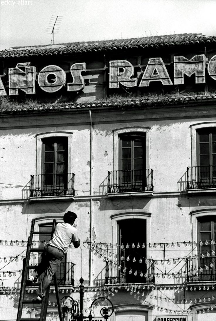 https://flic.kr/p/ASpuK7 | Granada | Paños Ramos, Plaza del Carmen