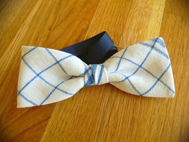 Old glass cloth turned into bowtie #recycle #linen #bowtie #handmade #madein finland
