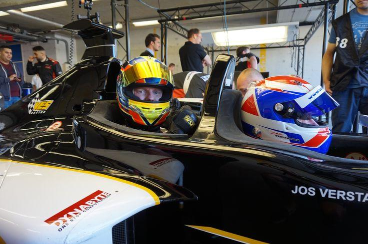 Thumbs up! Ready for my first ever experience in an F1 car.. Crazy stuff!! #Verstappen #Racedagen #RedBull #Rbr #CircuitZandvoort #Jumbo #F1 #Minardi