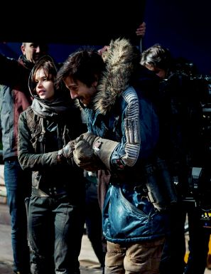 Felicity Jones and Diego Luna behind the scenes of Rogue One.