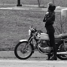 Afbeeldingsresultaat voor vintage cafe racer girl