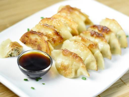 Gyoza (Ravioli Chinois à la Japonaise) - Recette de cuisine Marmiton : une recette