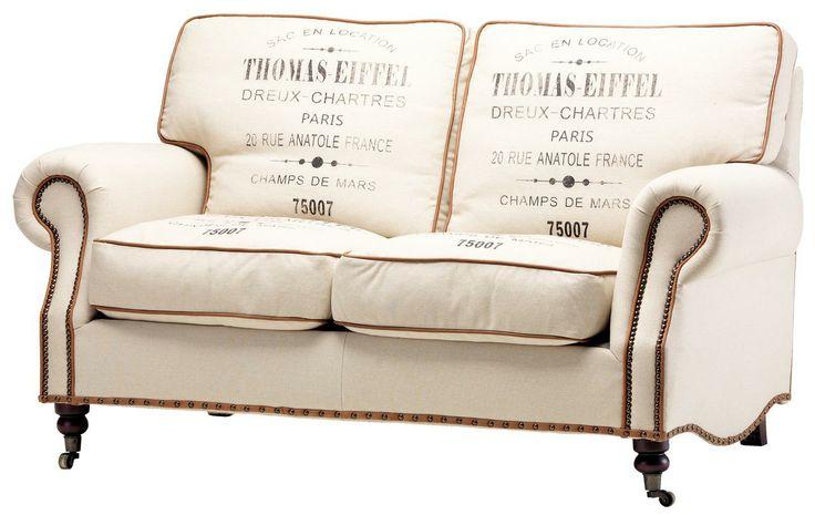 Canapeaua cu inscriptii ramane punctul de atractie al livingului.  Canapea 2 locuri Factory 2.799,00Lei #kikaromania #factory #french #canapea