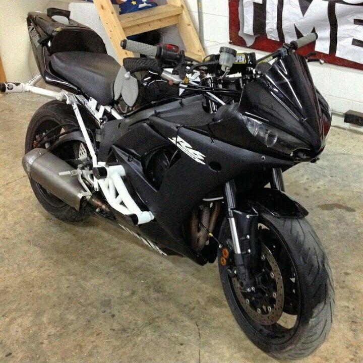 Sponsored Rider @devrendwolf has his R6S ready for war fully ZeusArmor equipped #zeusarmor #dowork #yamaha #r6s
