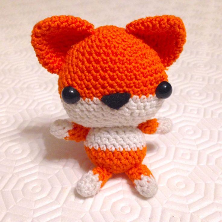 Volpe arancione amigurumi, simpatica e tenera, fatta a mano all'uncinetto, by La piccola bottega della Creatività, 15,90 € su misshobby.com
