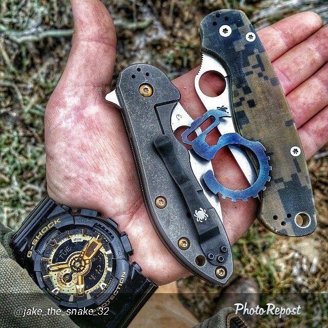 "#ShareIG By @jake_the_snake_32 ""Todays carry. #edc #spydercosunday #spyderco #spydercodomino #pm2 #paramilitary2 #gshock #kochtools #kochaddict #handdump #pocketdump #knifeknut #knifelife #knivesout #useyourshit #knifeporn #knifefanatics #bestknivesofig #titanium #knifeclub #knifepics #knifecommunity"" via @PhotoRepost_app"
