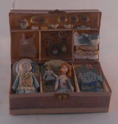 Doll Trunk 1435 by Almudene Ferrandez 170.00 Swan