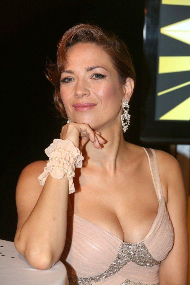 Tohle je jedno znejvíce sexy poprsí vČesku. Tereza Kostková oslavila  40.narozeniny. (zdroj: Profimedia)