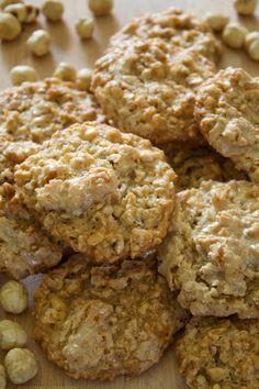 Brutti ma Buoni #biscotti #ricette #ricettedolci #dolci #nocciole #recipes #food #foodblog #vasavasakitchen