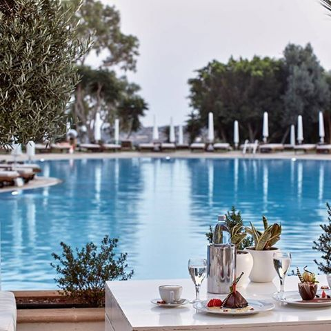 Welcoming the first day of Spring with al fresco treats by the pool! #springequinox #grecianpark #cyprus #pool #protaras #capegreco #springtime