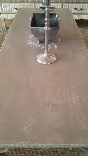 Annie Sloan Chalk Paint. Old White bottom with French linen top coat.