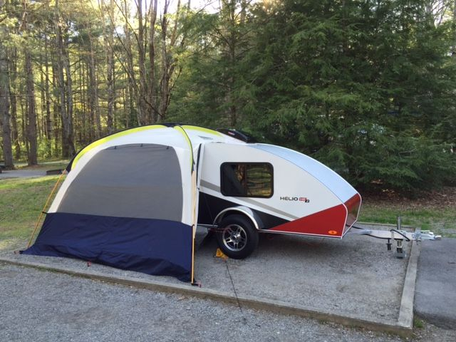 Avec notre nouvelle Hélio HE2, nous avons fait un agréable séjour en Caroline du Nord, la semaine dernière. La roulotte est très stable sur la route et très confortable. Merci Hélio ! Jean B. Trois-Rivières, Québec