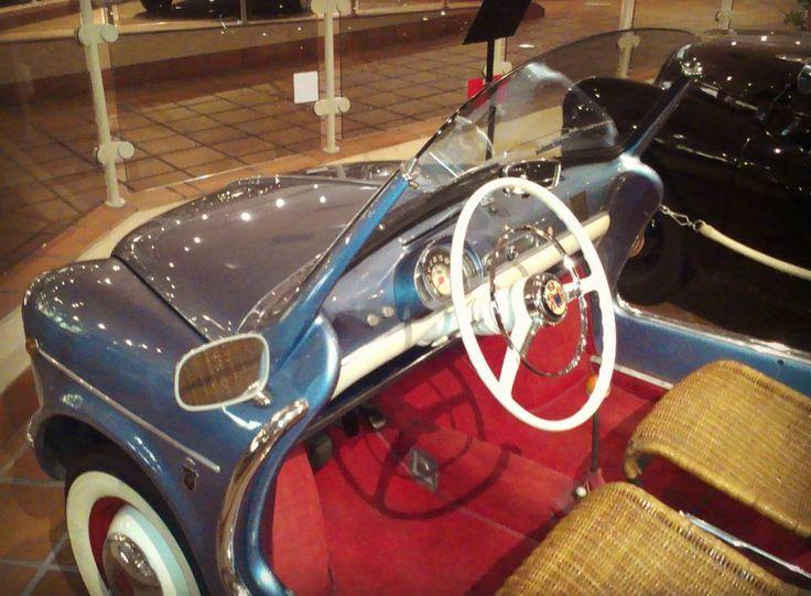 Зачем автомобилю кожаные кресла? #fiat600 #monacocars #monaco #fontvieille #cotedazurbeauty by serge_frog