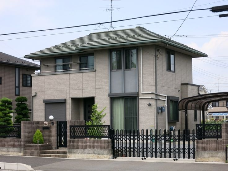 This Japan House Is Mostly Modern But Softened With A