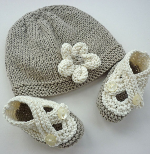 Baby shoes with matching hat