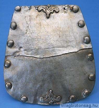 Tarsolylemez, Tiszanána.  Forrás: www.vilagbiztonsag.hu Részletes leírás: http://www.tarsolyosok.hu/tiszananai.htm
