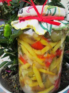 Sałatka warzywna do słoików na zimę- fasolka szparagowa, cukinia | Tradycyjna kuchnia