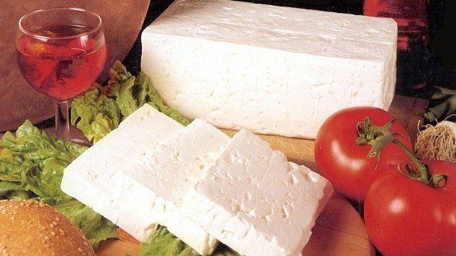Balkánsky syr si urobíte za pár drobných aj doma.