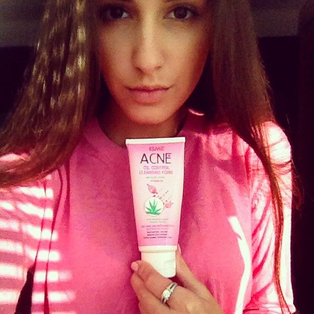 Acne oil control cleansing foam with Aloe-Vera and Vitamin B6 specially formulated to clean and nourish Your skin. It contains Triclosan - an antibacterial agent, Vitamin B6, that helps to keep Your skin non-oily and prevent the appearance of acne and pimples and Aloe-Vera leaf juice, which helps to moisturize, smooth and heel Your skin. TROPICOZA.COM #worldwide #thailand #tropicoza #transformation #organic #pink #phuket #shopping #follow #fashion #fitness #followus #fit #girl #hot #hair…