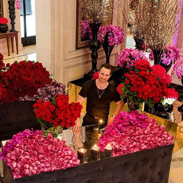 You wish you could attend @jeffleatham's Flower Class on monday 25th but you're not in #Paris?  Follow us on twitter from 5pm french time for the livetweet!  #fsparis #georgeV #flowerclass #jeffleatham #periscope #fourseasons #flowers