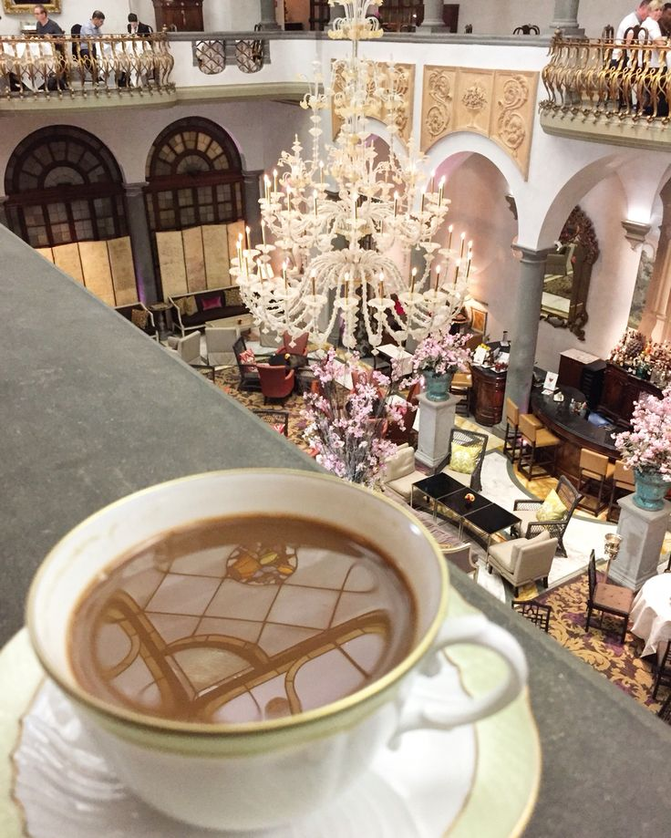 Caffè del mattino - powering up for the Florentine adventures ahead.