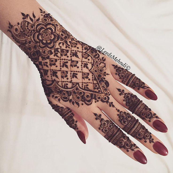 Rose detail henna