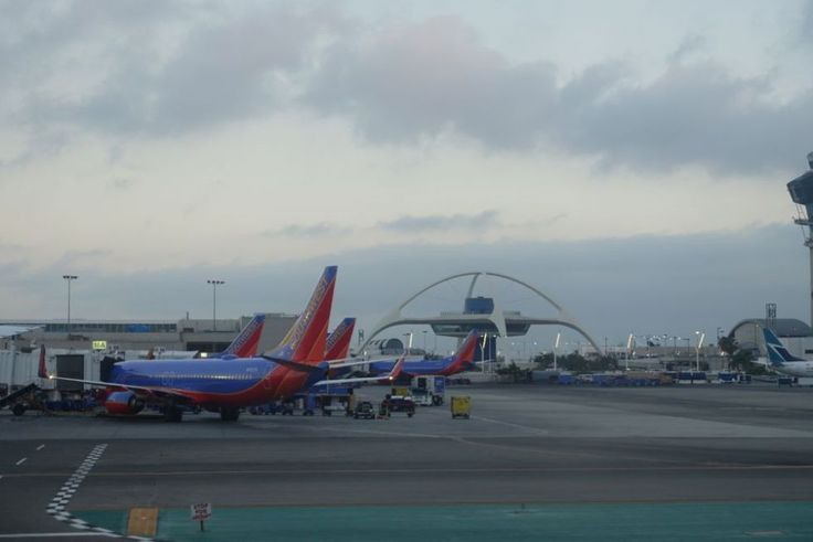 happyface313-share-your-world-los-angeles-airport