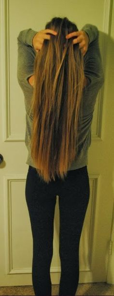How to grow your hair faster - 1.5 to 2 inches in just 1 week.. Gonna try it and see if it works, but with curly hair, it may be hard to figure out if it really does.