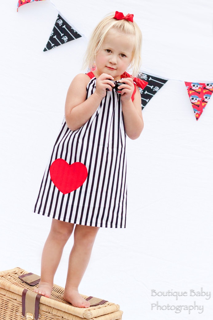 valentines dress: Girls Pirates, Heart Stripes, Toddlers Girls, Pillows Cases Dresses, Pillowcases Dresses, Girls Sizes, Girl Pirates, Applique Colors, Stripes Dresses