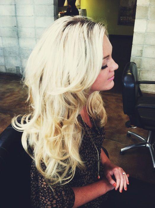 Long layered haircut, classic Victoria's Secret hair on my beautiful blonde best friend <3