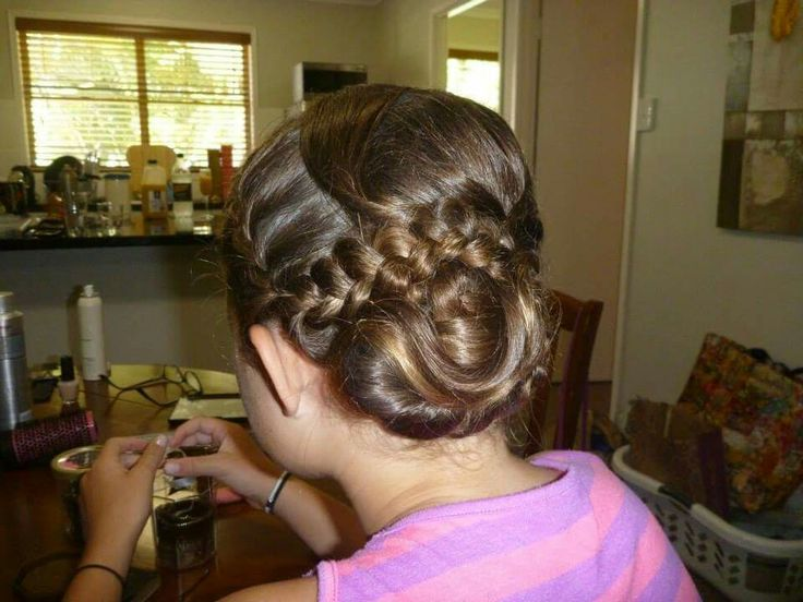 Braided bun #flowergirl #bun #braids