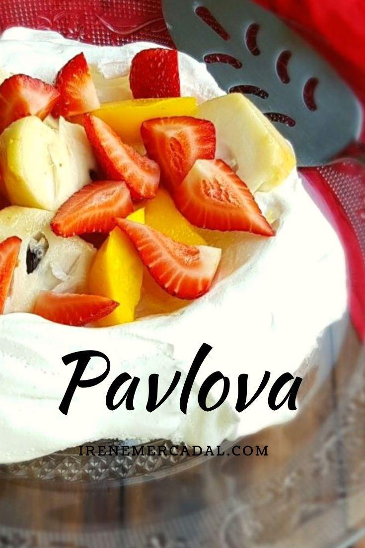 ¿ Habra algún postre más fresco, delicioso y versatil que una pavlova? Aqui puedes encontrar la receta #recetapavlova #pavlova #pavlovafacil Pavlova, Fruit Salad, Fresco, Food, Drink Recipes, Juices, Fruit, Homemade Recipe, Peach
