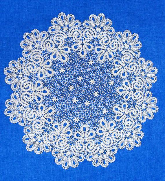 Кружевная скатерть круглая вологодское коклюшечное от MadamKruje