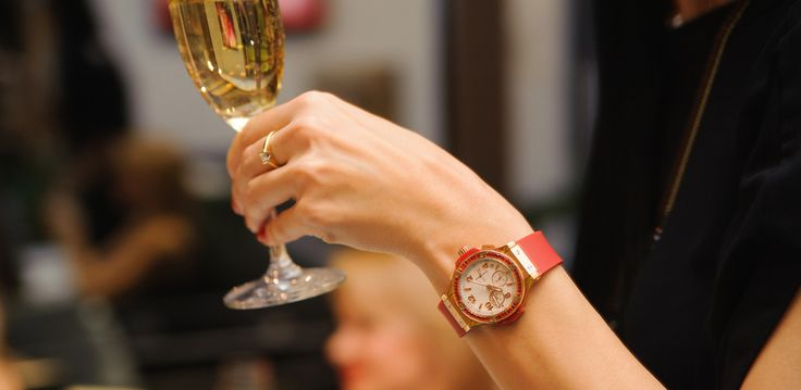 This Champagne-Fueled Shindig Will Make Achieving Your Goals Oh So Much More Fun