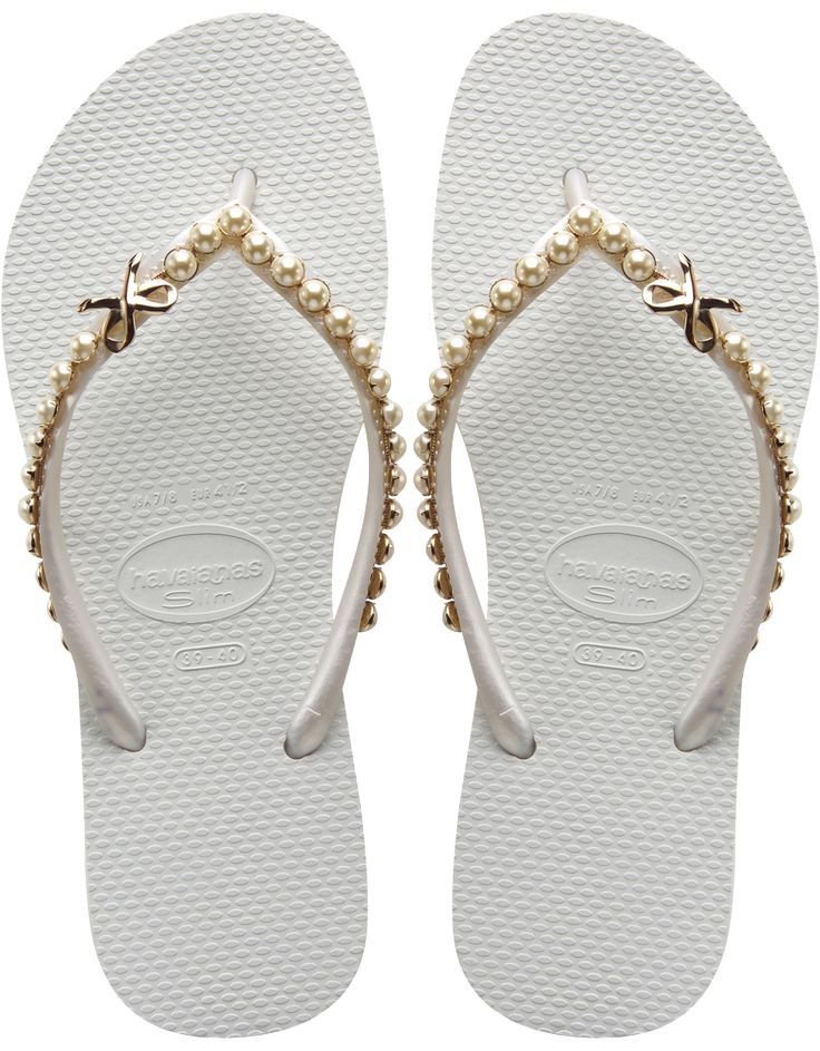 Havaianas with gold bows <3