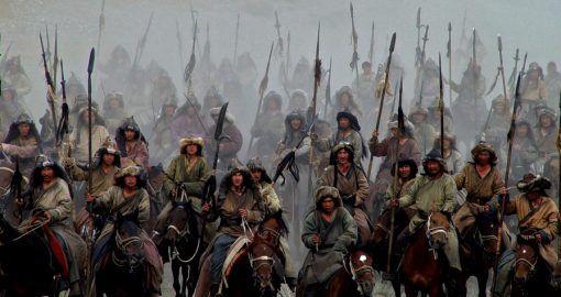 Климат остановил вторжение монголов в Европу в 1242 году, — ученые http://dneprcity.net/ukraine/klimat-ostanovil-vtorzhenie-mongolov-v-evropu-v-1242-godu-uchenye/  Кольца деревьев из бревен одной из церквей в Закарпатье помогли ученым раскрыть секрет того, почему монголы не завоевали Европу, неожиданно остановившись в Италии и Венгрии в 1242 году. Об этом