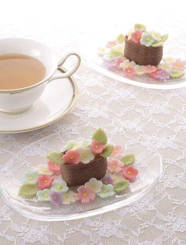 Spring Flower Wagashi, Japanese Cake by Machie Torii|鳥居満智栄の創作和菓子