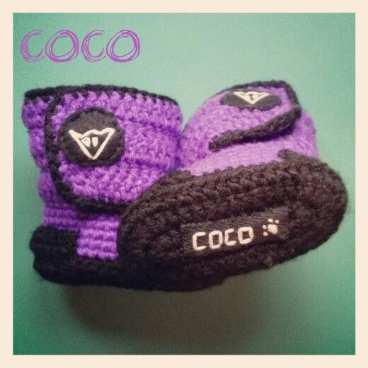 Facebook/cocogorros  Instagram/cocogorros Pinterest/cocogorros Cocogorros@gmail.com Botas moteras para bebé de ganchillo #moto #moteras #botas #dainese #beautiful #bebe #handmade #handcraft #lana #ganchillo #cocogorros #coco @cocogorros