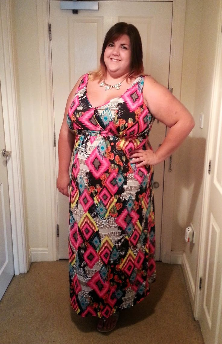 Take it to the max with a topical maxi dress! This beauty is from @yoursclothing.