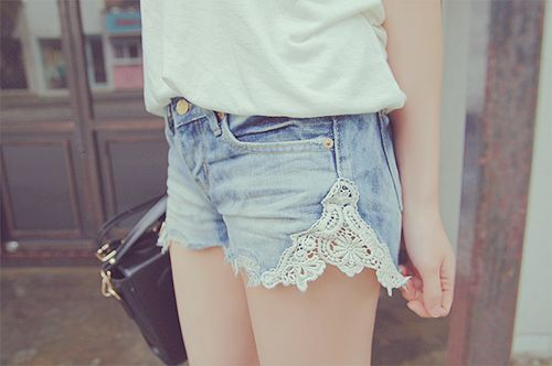 diy lace denim shorts, cute idea!