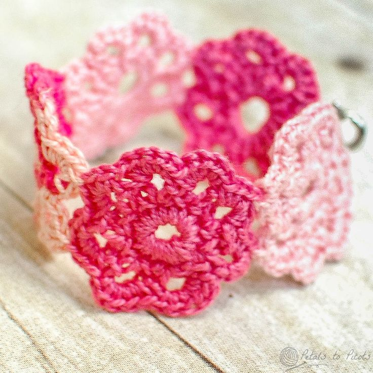 Crochet Flower Bracelet - I wanted to make a special little gift for a special little girl. So what do little girls like ... hmmm ... pink, flowers, jewelry ... yes! I really hope she likes it! Crochet Flower Bracelet