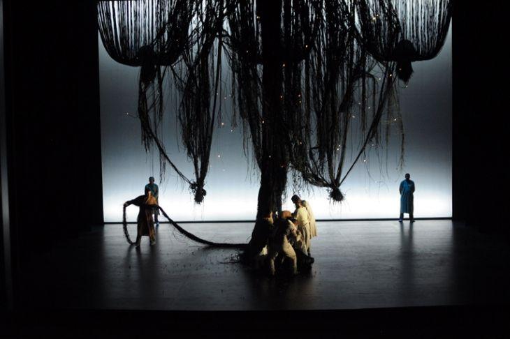 Lakme. Opera de Lausanne. Scenic design by Caroline Ginet. 2013