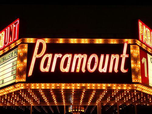 Kankakee, IL Paramount Theater marquee at night: Arches, Kankak Il, Paramount Theater, Movies Theatres, Il Paramount, Watches Movies, Chicago Mi, Paramount Lighting, Theater Kankak