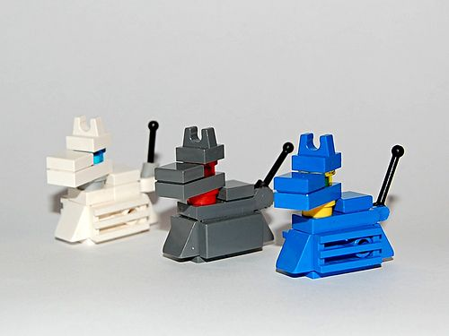 Legos are Doctor Who dogs too! kn